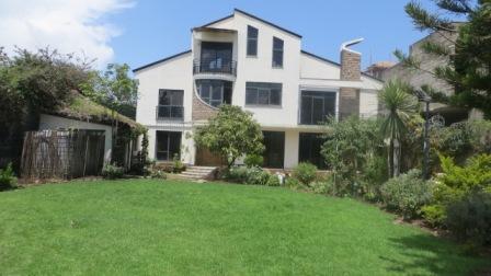 Cozy House with Amazing Garden