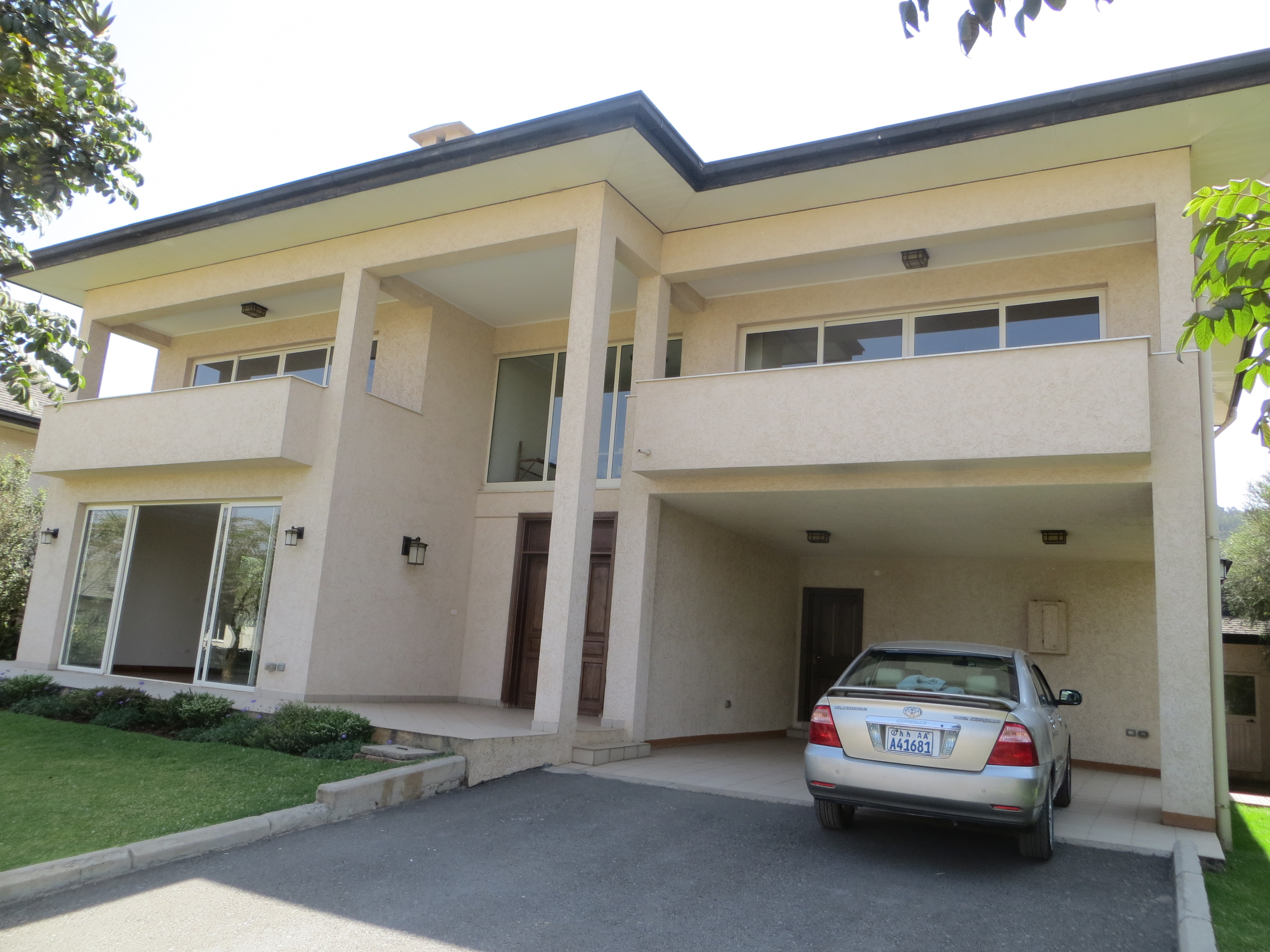 Beautiful Family Home in an Expat Friendly Gated Community