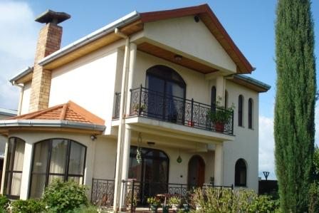Cozy Two Story House in Ayat