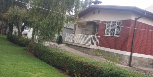 Conveniently Situated Cozy Villa in Bole