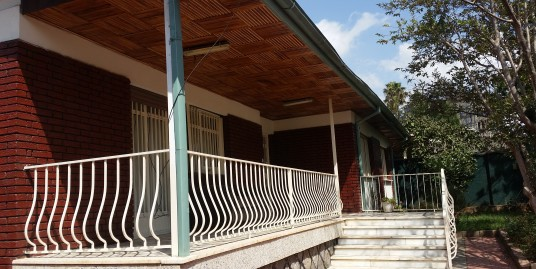Nicely Refurbished Villa in Bole