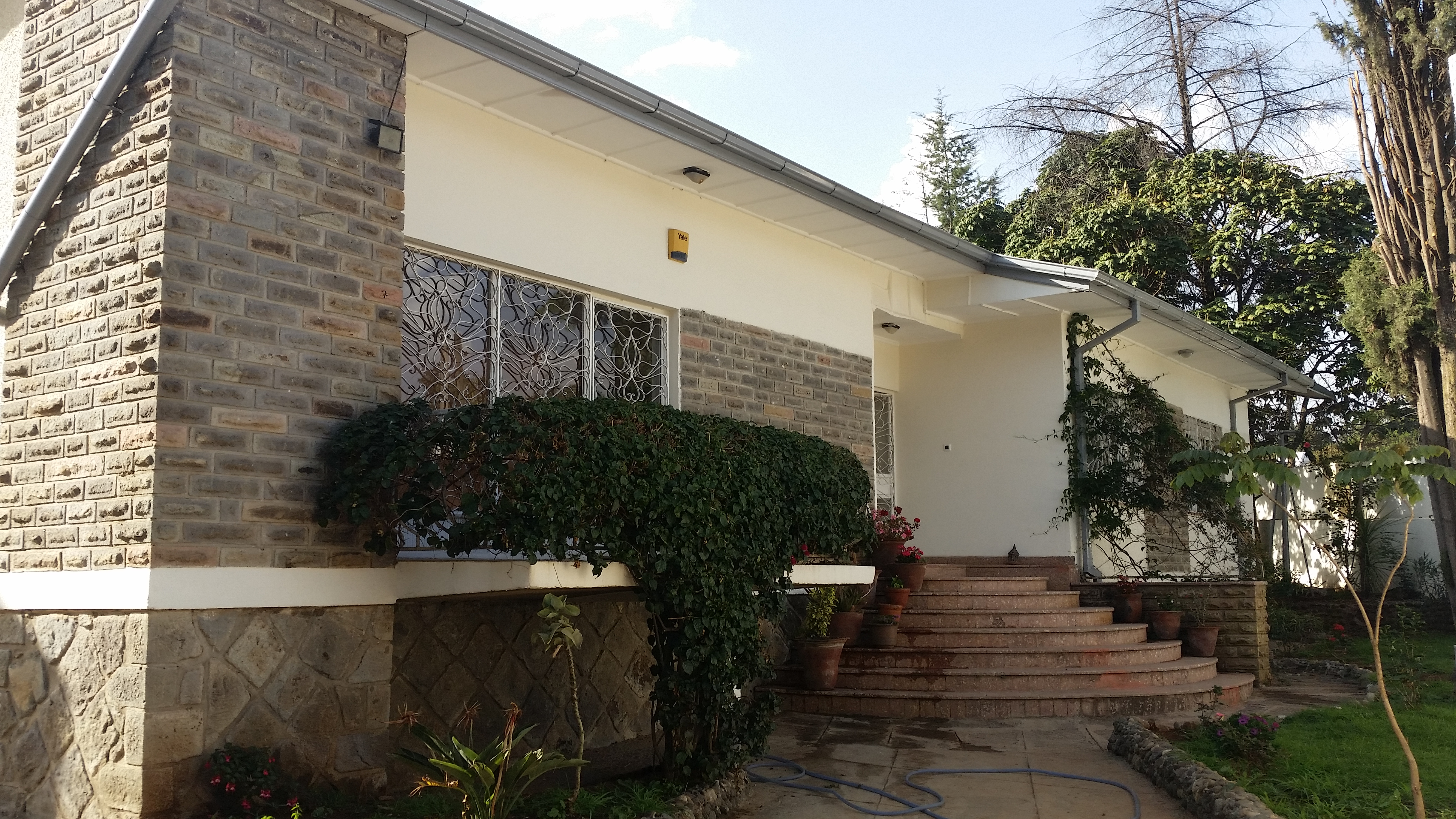 Completely Renovated Villa