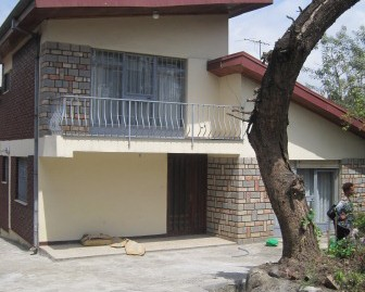 Charming 3 bedroom, 2 bathroom house for rent in Old airport area