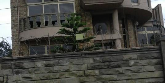 Basement+G+2 House for Sale in Megenagna