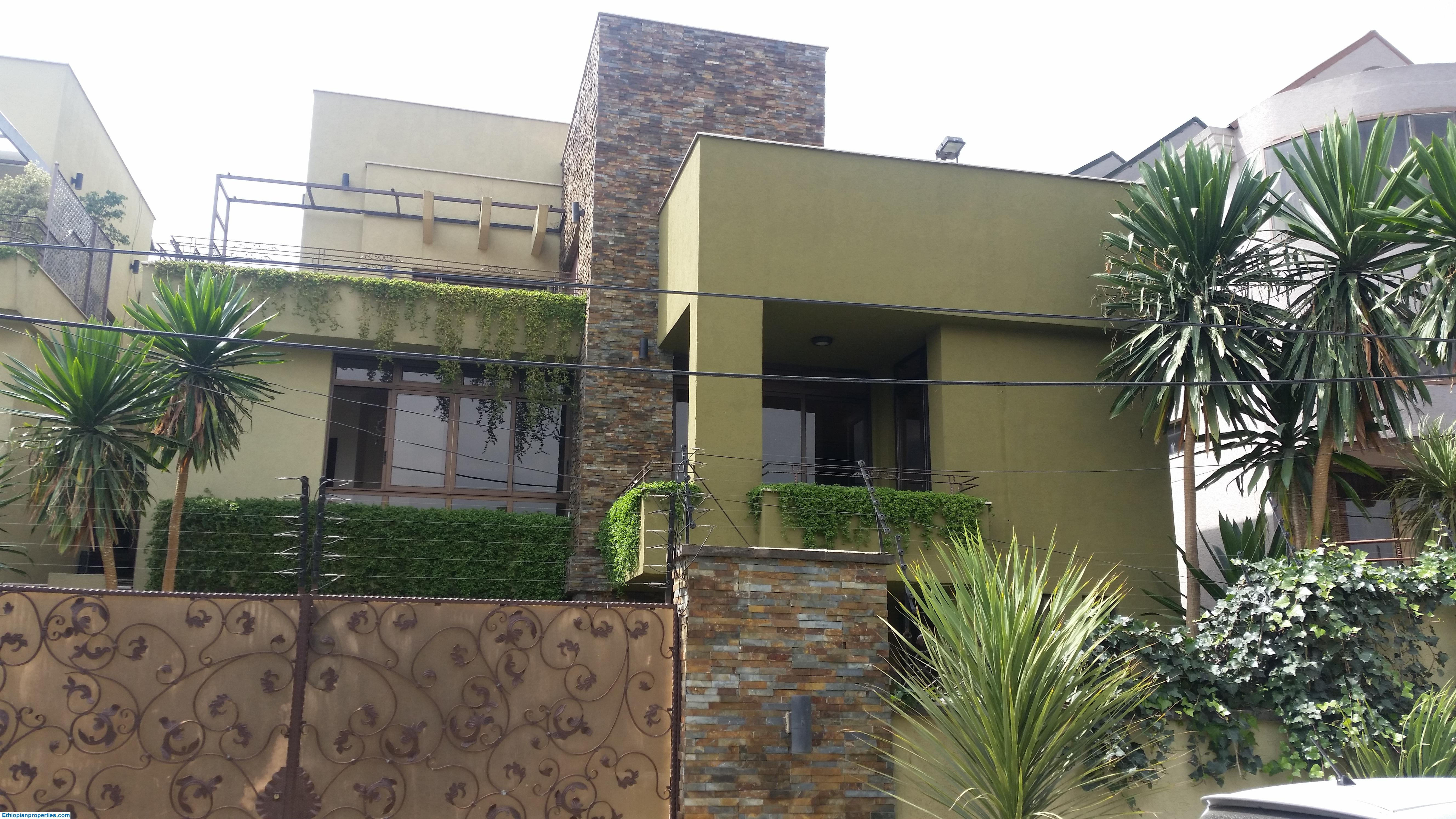 Fabulous family home on a super quiet residential neighborhood for rent
